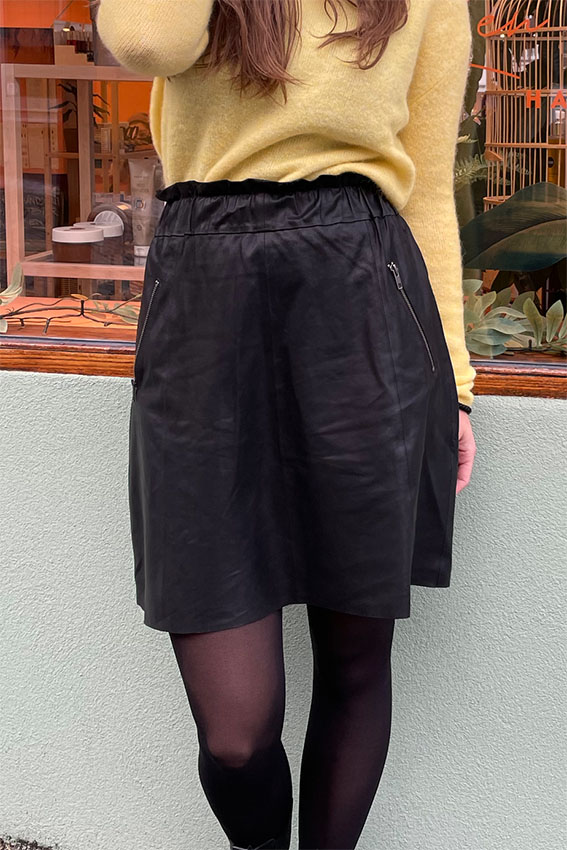 Short leather skirt Black