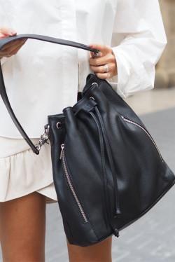 Bag with zilver zip