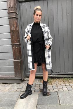 Ellen Coat