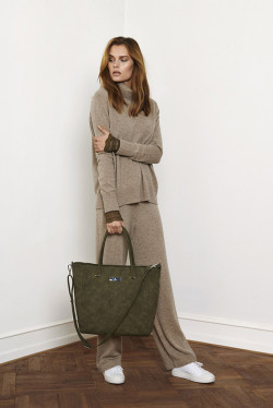 Wool & Cashmere Pants Atmosphere