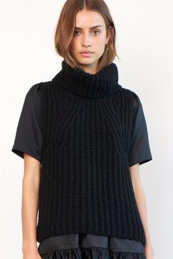 Ivory Knit Vest Black