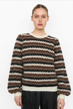 Yolanda Knit O-Neck
