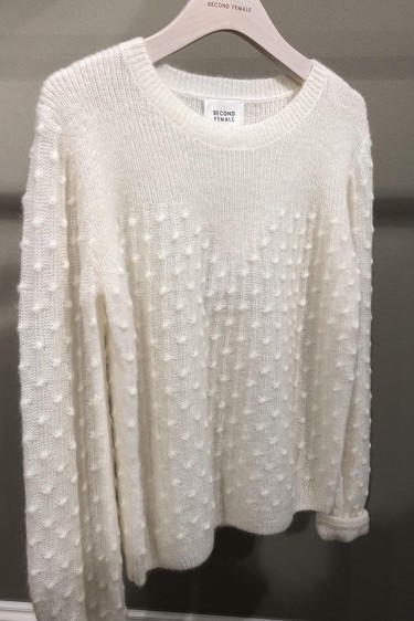 Dotty Knit o-neck
